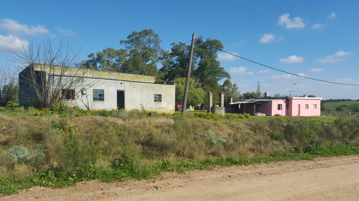 Camino Chacra Policial, Ruta 5, km 50.-