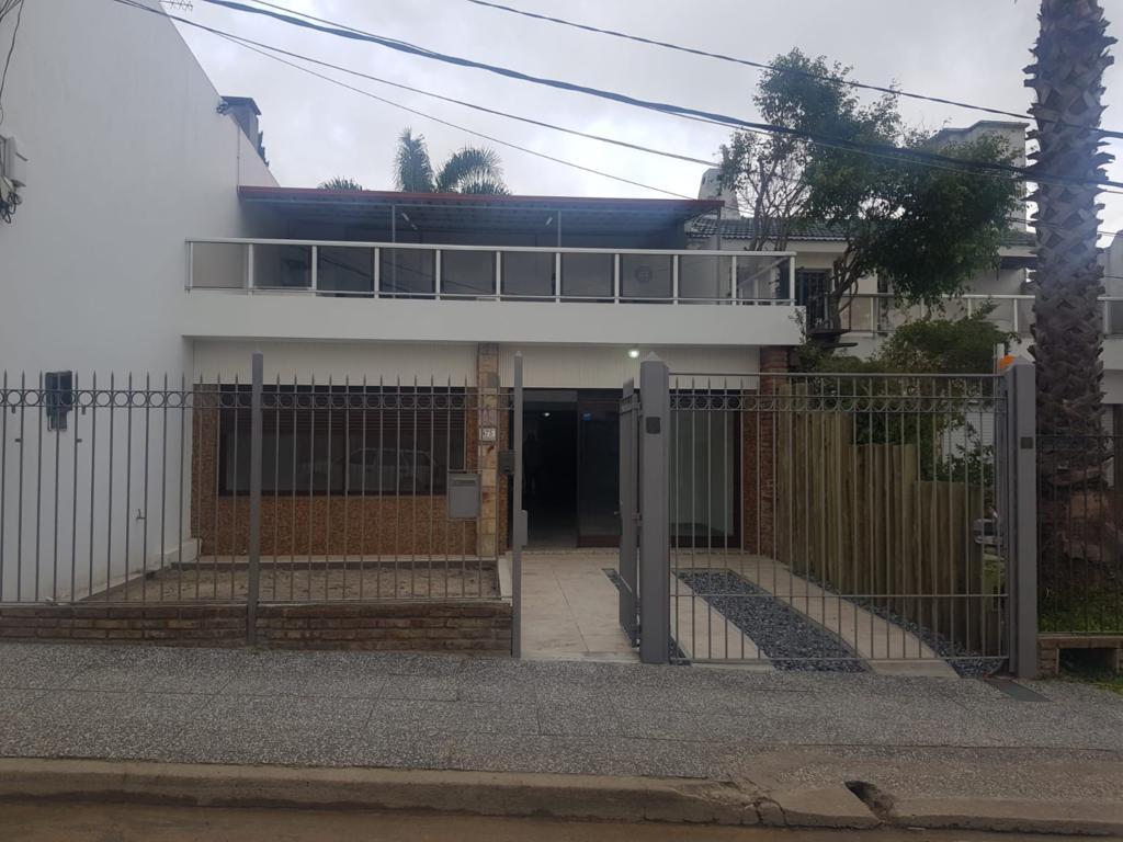 Rodó Entre Brum Y Soca. Hermosa Casa.-